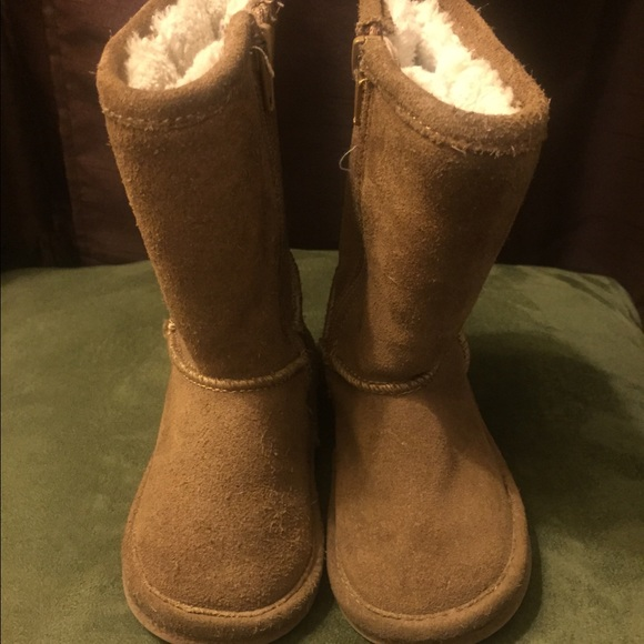 Toddler winter boots look like uggs upper leather