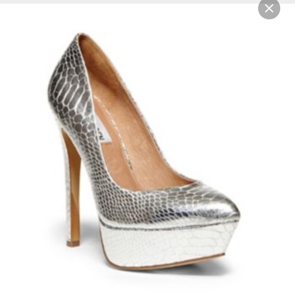 Steve Madden Shoes | New Silver Pumps