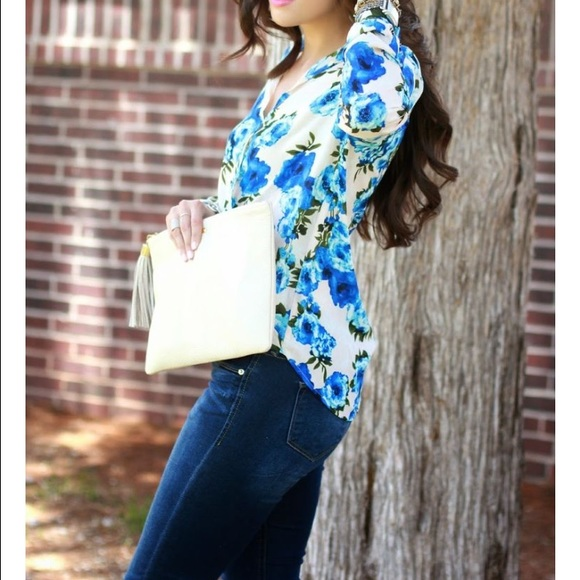 Forever 21 Tops - Blue Floral wrap top