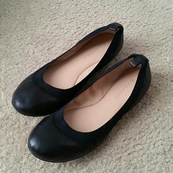 29715dc479e15 💌 Banana Republic Black Leather Ballerina Flats 7