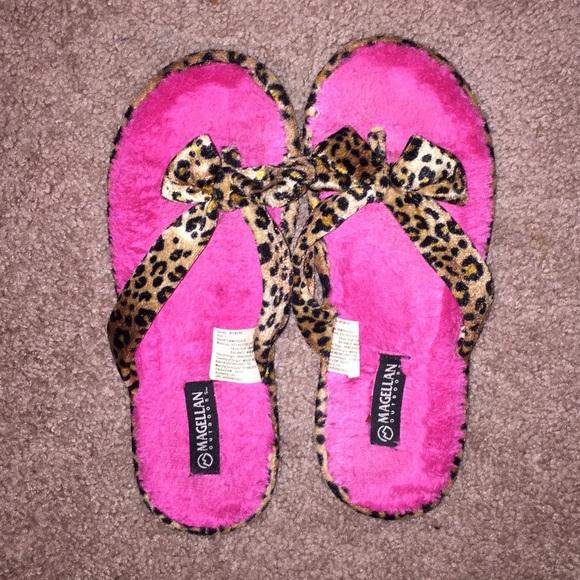 b4f3451a68d7 Magellan Outdoors Shoes - Magellan House Slippers