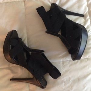 ❗️Final❗️Black Strap Heels