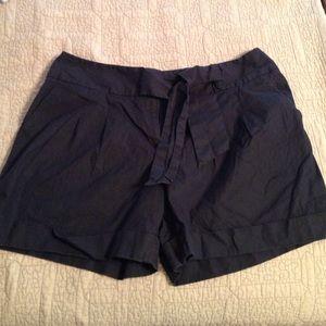 Chelsea & Theodore Black Cuffed Shorts 12
