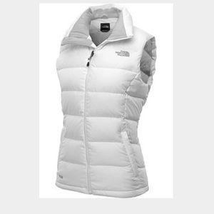 Girl white north vase vest