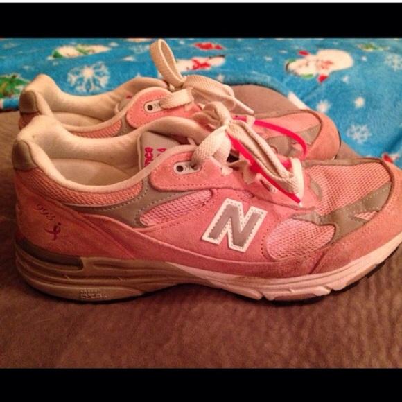 pretty nice 95d0f 0ad75 New Balance 993 Pink Breast Cancer Awareness shoe.  M 5614633a41b4e0fae4003f16