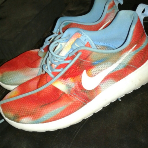 online store 57fa4 4fc5d Nike Shoes - Rare Tie dye roshes sz 4y or 5.5 in women s