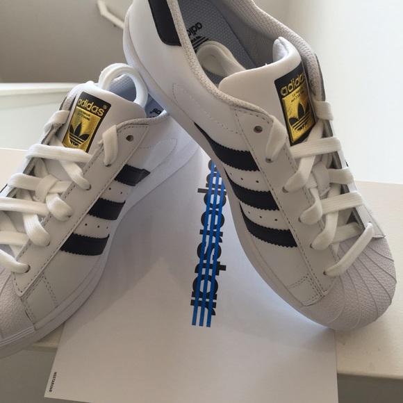 adidas superstar poshmark