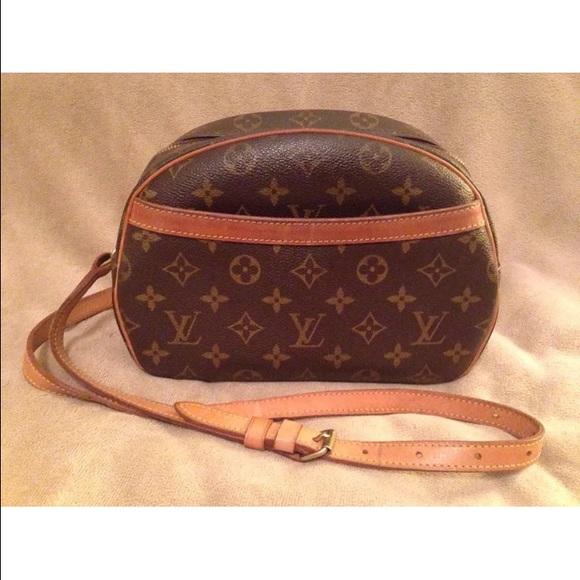 a8e4ad1f55c1 Louis Vuitton Handbags - Authentic Louis Vuitton Blois shoulder Crossbody