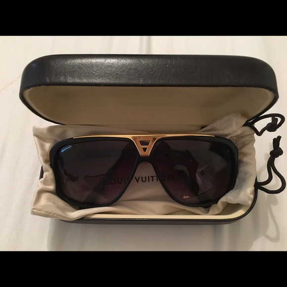 9b92be87c3 Louis Vuitton Accessories - Louis Vuitton evidence sunglasses