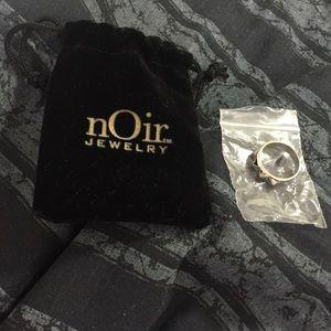 NEW nOir Jewelry silvertone ring