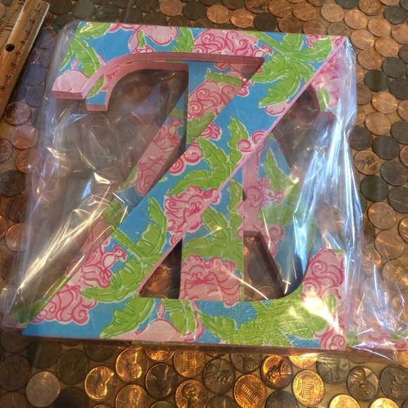 lilly pulitzer other lilly sorority letters zeta tau alpha lions