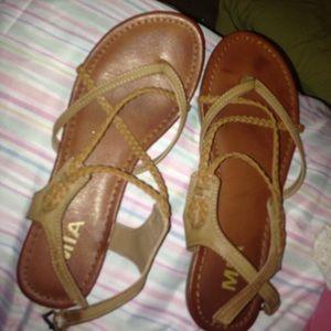 size 8 criss cross sandals