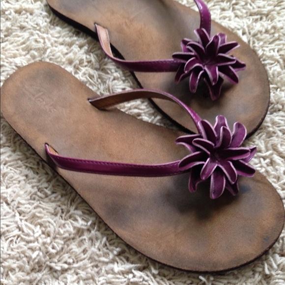 clark's flower flip flops