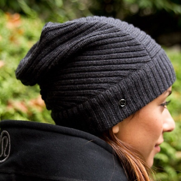 lululemon athletica Accessories - LULULEMON Movement Toque Merino Wool Hat  So Cool! 40a2ccd23b9