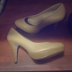 ALDO Tan leather Pumps