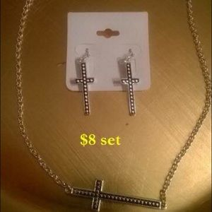 Jewelry - Knecklace set