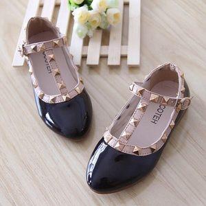 Black dress up shoes for girls