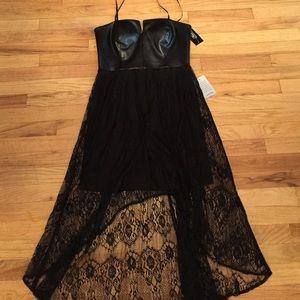 Hailey Adrianna Papell 6 Nwt hi low dress