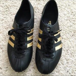 reemplazar Disminución presentar  Adidas Shoes   Reserved For Gg57 Okapi Sneaker   Poshmark