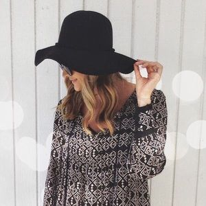 Accessories - LAST ONE! Black felt floppy hat fall trendy bow