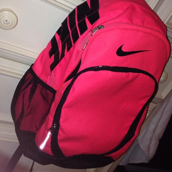 fc499300f0e Pink Black 100% Authentic Nike Backpack NO TRADES.  M 561707e49c6fcfe0d9003e83