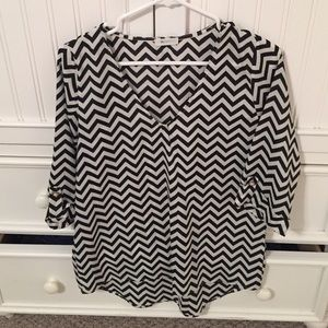 Chevron 3/4 sleeve blouse
