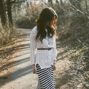 Sweaters - 🔦IN SEARCH OF🔦 long white high low cable sweater