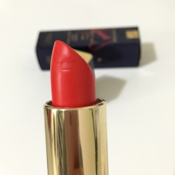 Estee Lauder Makeup - Kendall jenner estee lauder