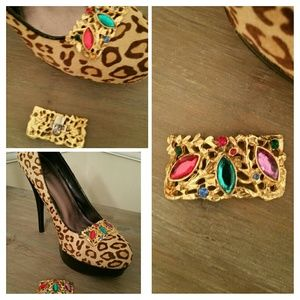 Gold and jewel shoe clips