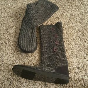 Shoes - Knit boots.