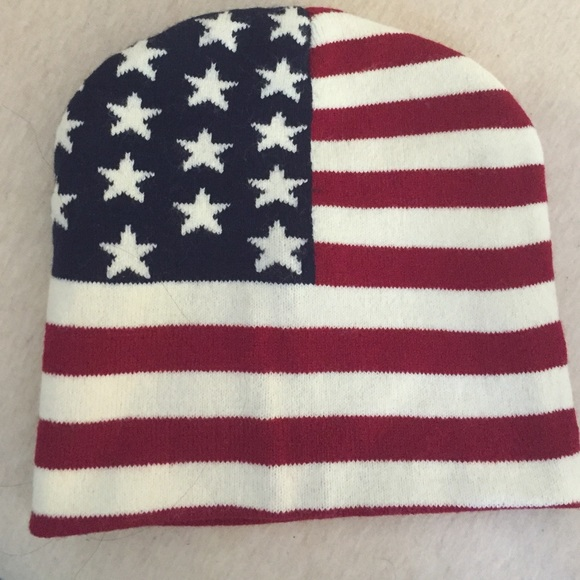 31f05a2946003 Forever 21 Accessories - American Flag Beanie 🇺🇸