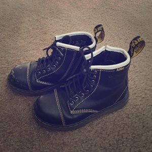 Dr Martens boots for Toddlers size 10