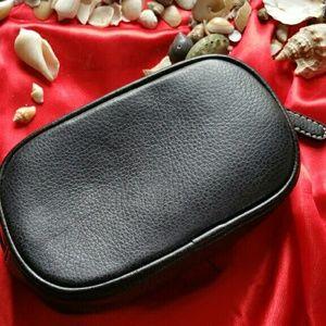 Croft & Barrow Black leather zip pouch