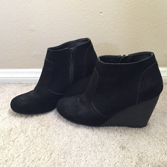 Urban Outfitters Cooperative Women/'s Black Suede Side Zip Ankle Boot size 10