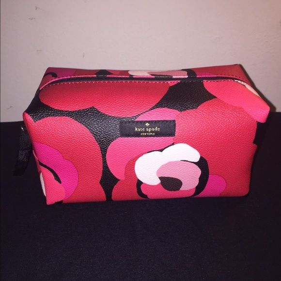 47ca5010e4f1 Kate Spade Medium Davie Cosmetic Bag