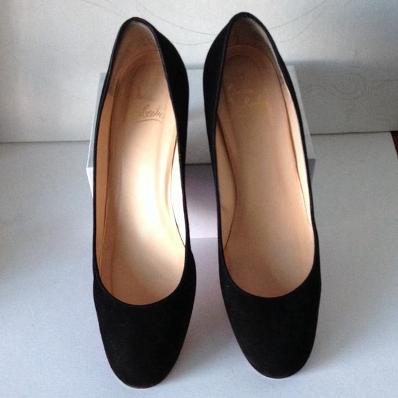 Christian Louboutin Round-Toe Suede Pumps view cheap price buy cheap real for nice online best place online buy cheap Cheapest NsnR6nM