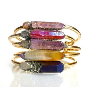 Lea Spirit Jewelry - Handcrafted Raw healing crystal quartz bracelet