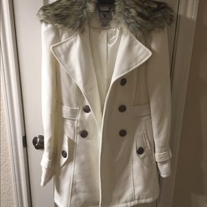 Jackets & Blazers - VERY Cute coat! Open to offers.❄️