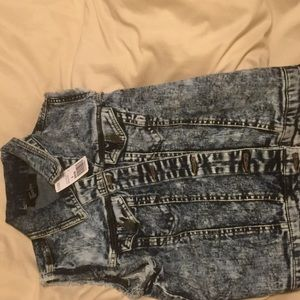 Acid wash jean vest