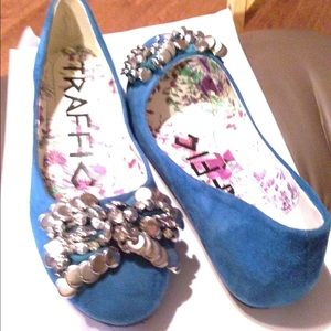 Traffic Shoes - Turquoise shoes with silver balls & circles