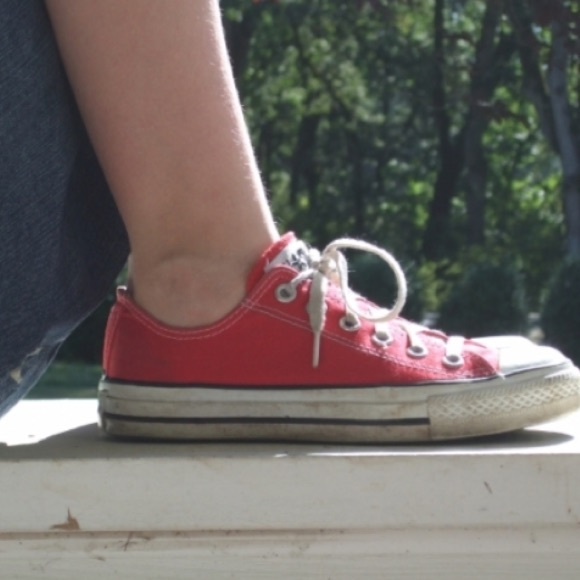 84cbe1d3b387 Converse Shoes - Red low top converse size 7.5