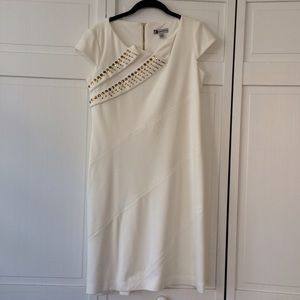 Leslie Fay Dresses & Skirts - Leslie Fay White Dress w Gold Embellishments