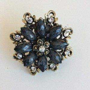 Jewelry - Floral Statement Ring