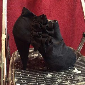 Three inch black ruffle heel NWOT