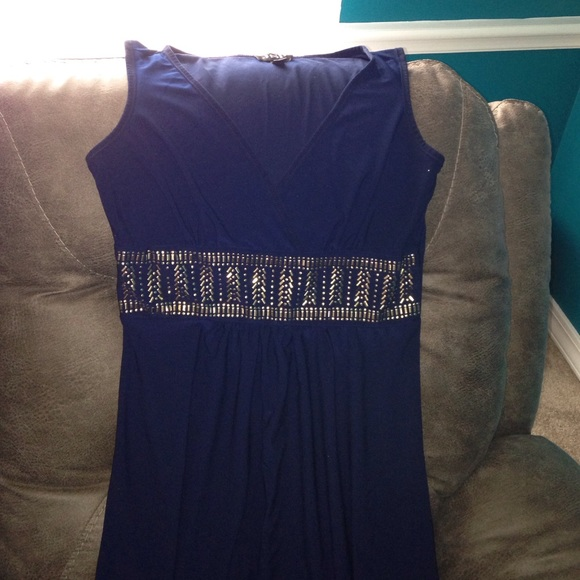 Blue dress or gold 80