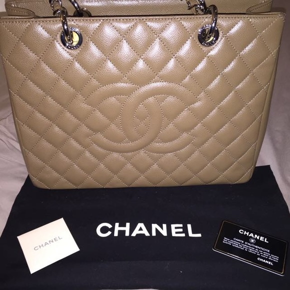 b93d36655a9f Rare authentic Chanel Camel Beige Caviar GST Bag