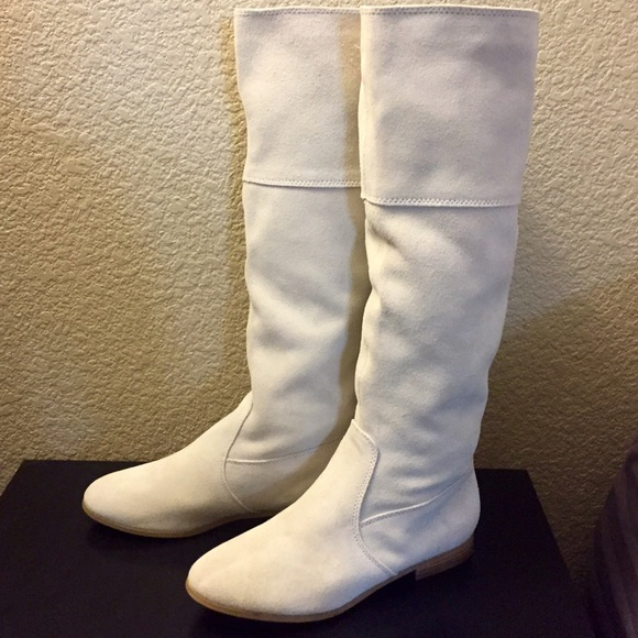 9befc0dcd85 White off white leather boots. M 561c8c637eb29f2ae002a7de