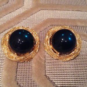 Vintage Jewelry - VINTAGE Dark Emerald Green Cabochon Earrings