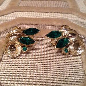 Vintage Jewelry - VINTAGE Lisner Green Rhinestone Earrings