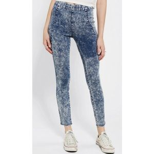 Urban Outfitters Denim - Silence + Noise High Rise Pull On Skinny Pants